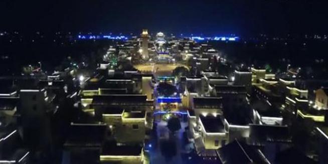 航拍震后十年夜幕下的北川新貌