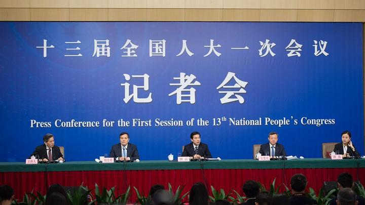 大会议记者会 商务部部长钟山等答问-人大立法工作记者会