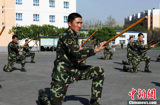 4月26日,武警边防部队乌鲁木齐指挥学校的