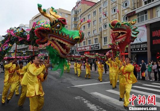 俄罗斯儿童绥芬河舞动中国功夫
