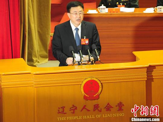 图为沈阳市长陈海波做政府工作报告.中新社发 于海洋 摄