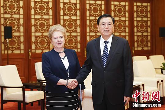 张德江会见匈牙利国会常务副主席玛特劳伊
