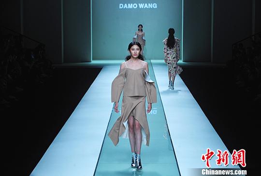 第三届深圳原创设计时装周开幕图片