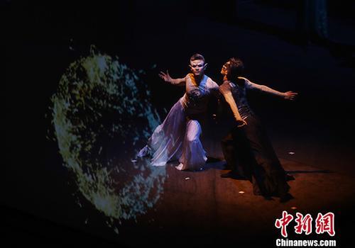 中国非遗创意秀《五维记忆》亮相北京校园