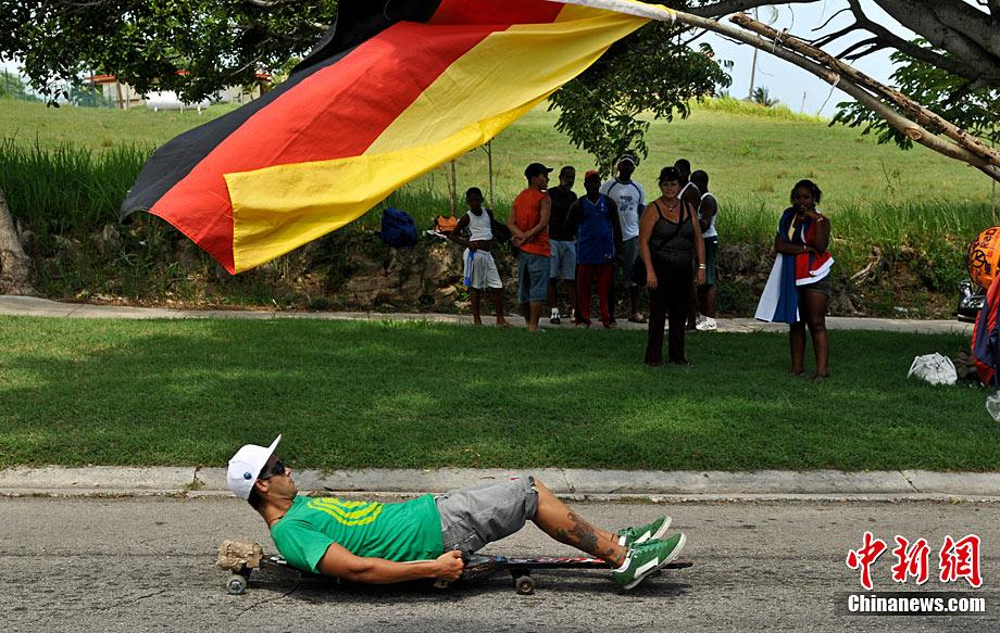 古巴举行首届无动力小车赛