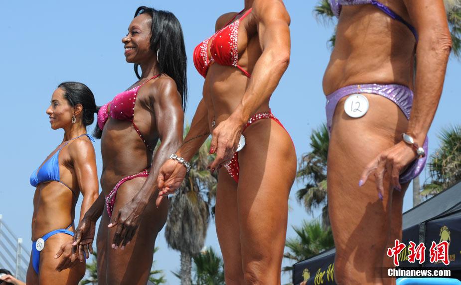 美国洛杉矶举行海滩健美锦标赛