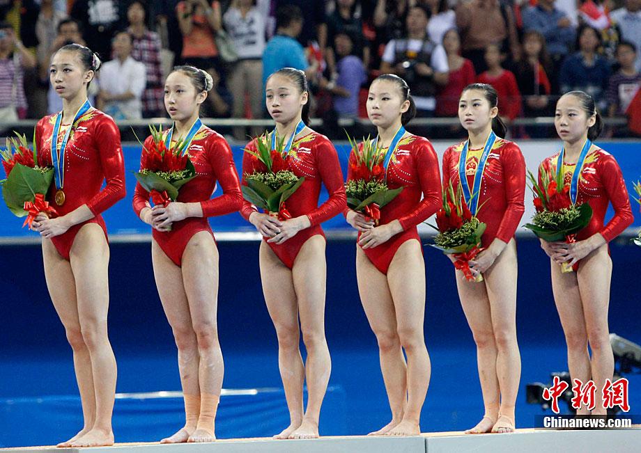 日本体操美女合掌祈祷静心