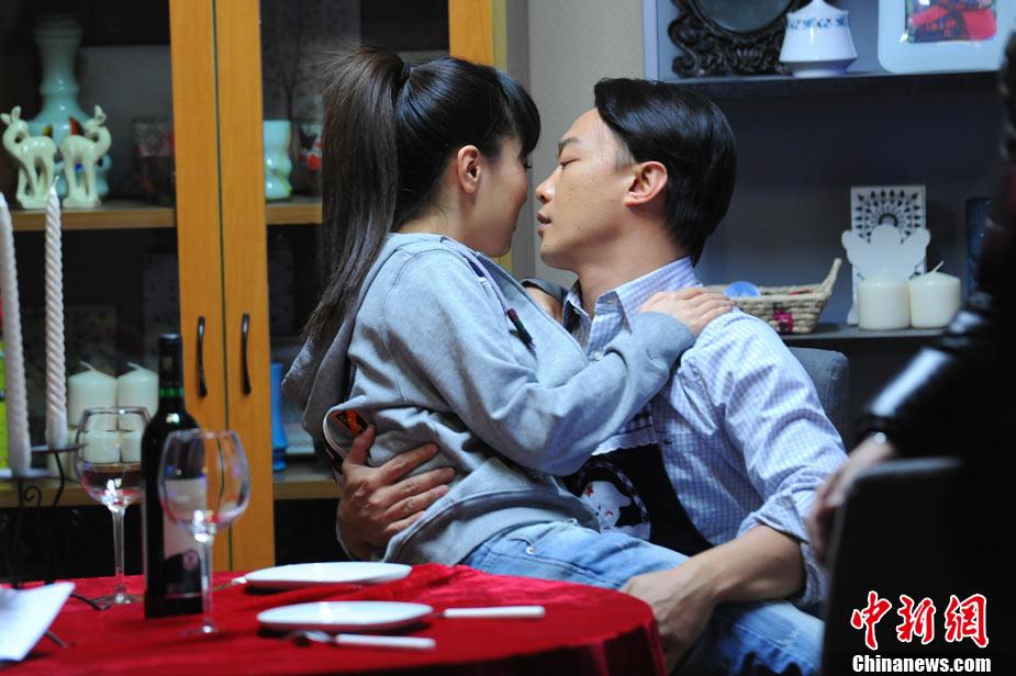 《隐婚男女》热拍 陈奕迅白冰爱巢激情戏曝光