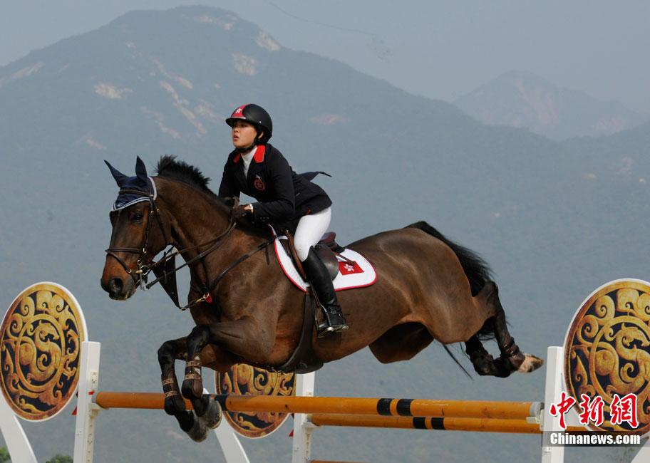 台湾富豪姐妹花骑手陈少曼赢得并列排名第五位