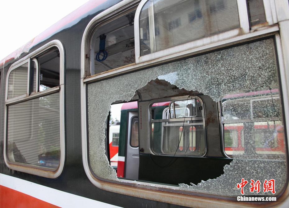 台湾 现场/4月27日,台湾阿里山森林公园小火车翻覆,造成大陆游客伤亡。