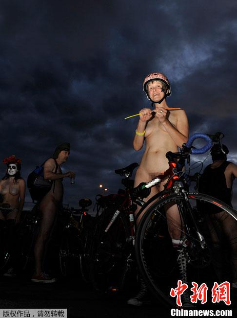 """波特兰市民响应""""世界裸体自行车"""