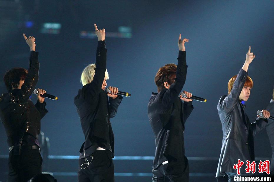 2011中日韩音乐盛典_中日韩风云音乐盛典Super Junior登场献艺-中新网