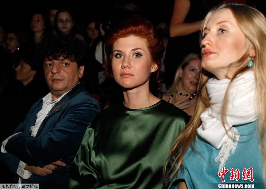 俄罗斯美女间谍亮相莫斯科时装周 中新网