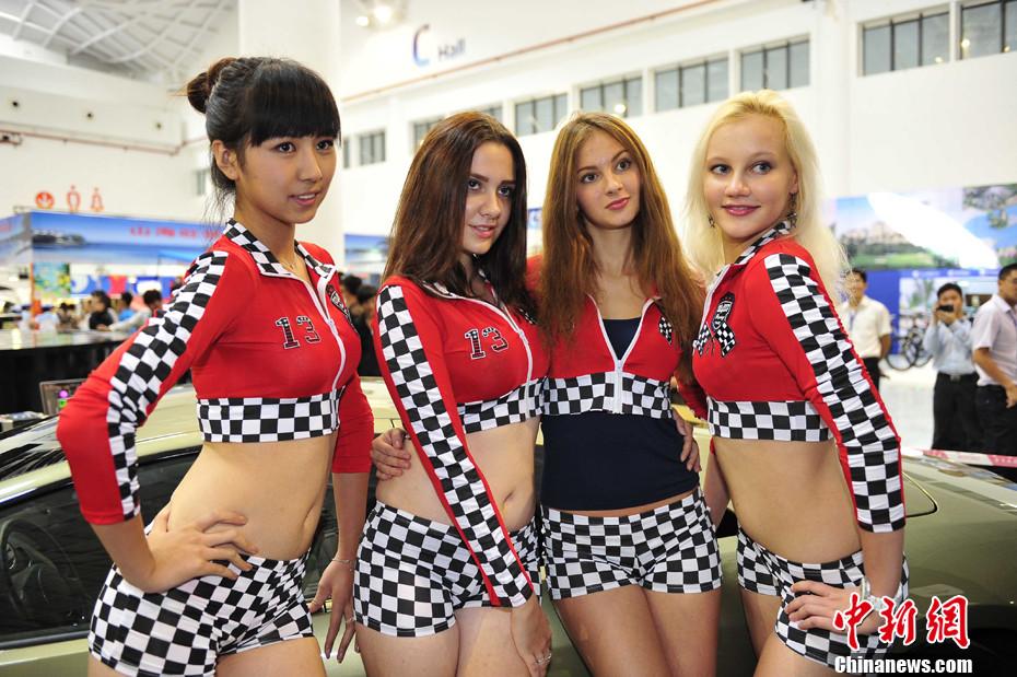 性感俄罗斯美女亮相椰城海口 中新网
