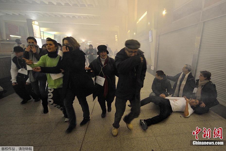 法国举行地铁恐怖袭击后救援演习 中新网