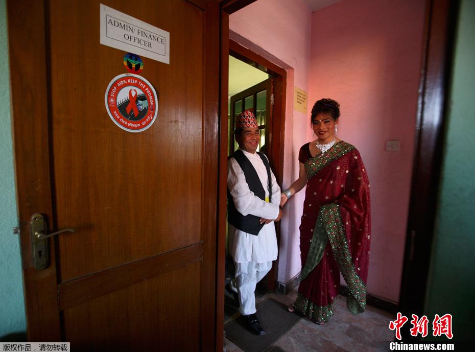 挪威王储出访尼泊尔 变性美女起舞相迎 中新网