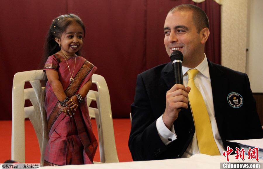 印度18岁女孩当选世界最矮女性 仅0.63米