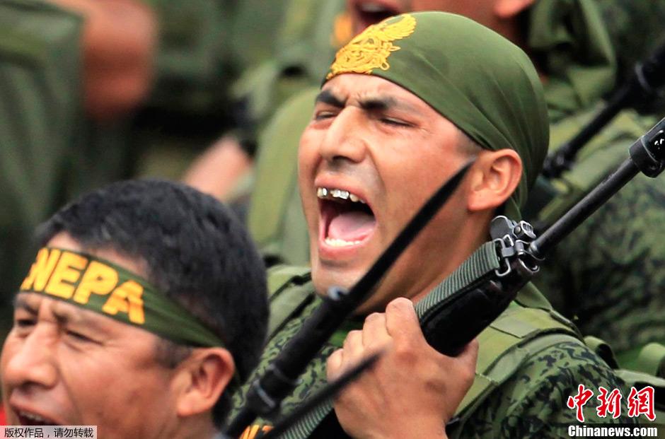 2011世界各国阅兵式精彩图萃 美女与大兵