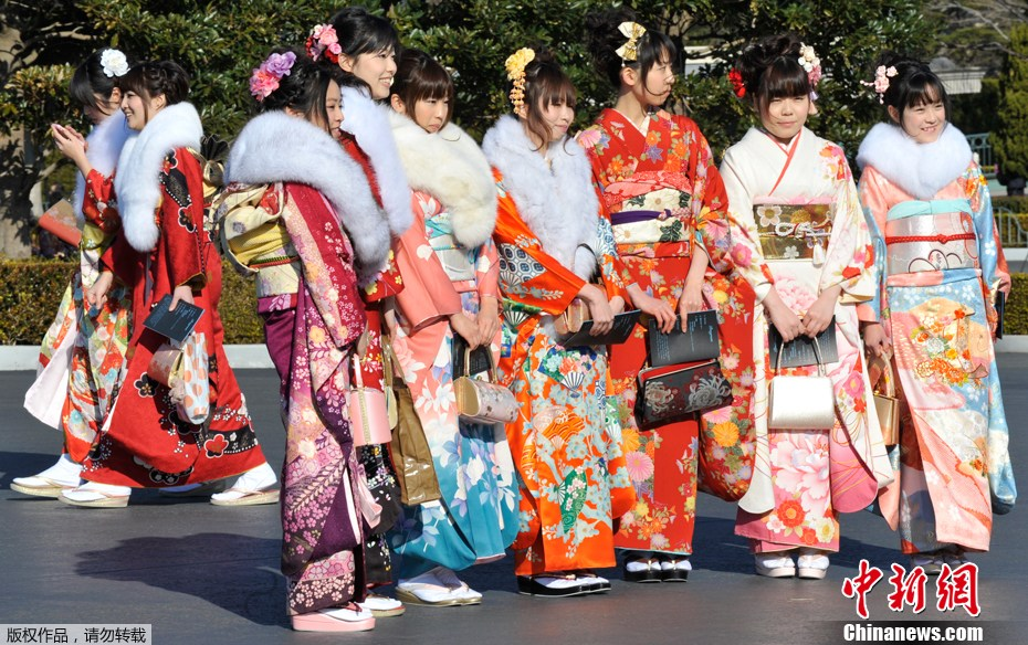 日本上千美女盛装参加成人礼 中新网