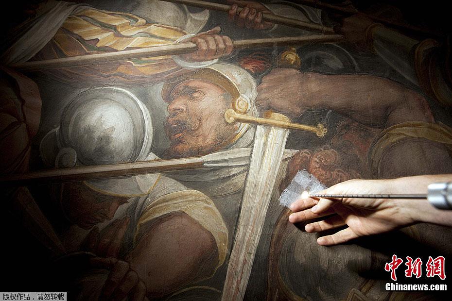 壁画 芬奇 巨幅 墙壁 《安吉里之战》/近日,意大利艺术研究人员宣称,达·芬奇曾经创作的最大最重要的...