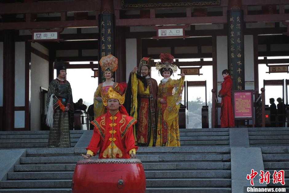 """西安举行""""上巳节""""庆典 皇帝携贵妃恭迎嘉宾"""
