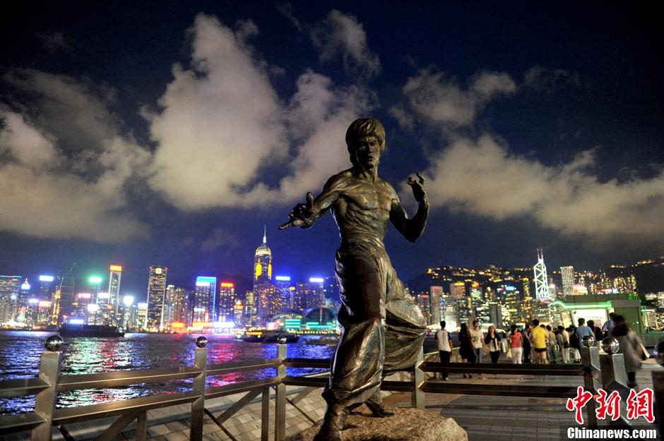 绚丽多彩的香港维多利亚港夜景