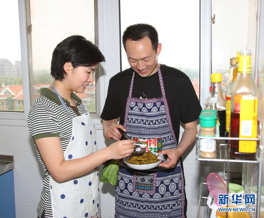 女航天员刘洋生活照首度公开-中新网