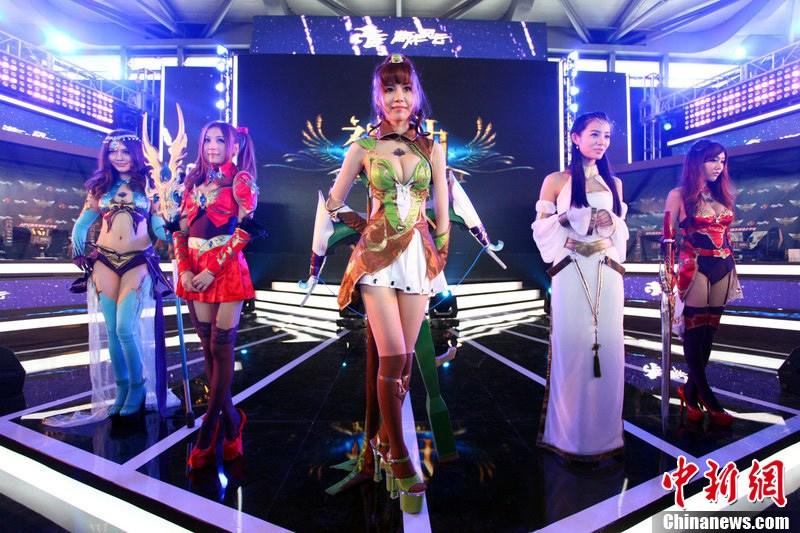上海ChinaJoy游戏展 美女COSPLAY演绎玩家盛