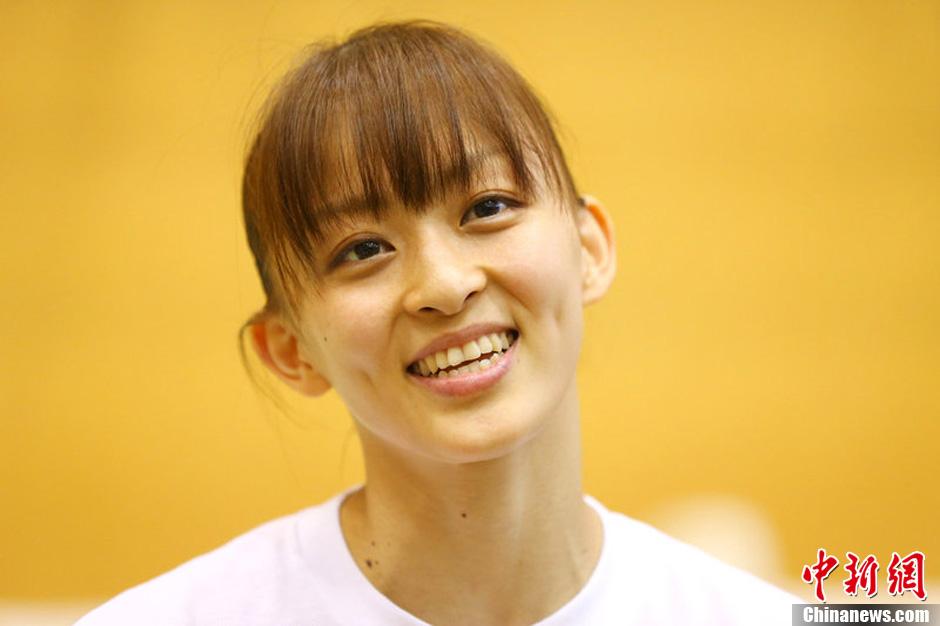 日本体操美女田中理惠与哥哥齐冲金 中新网