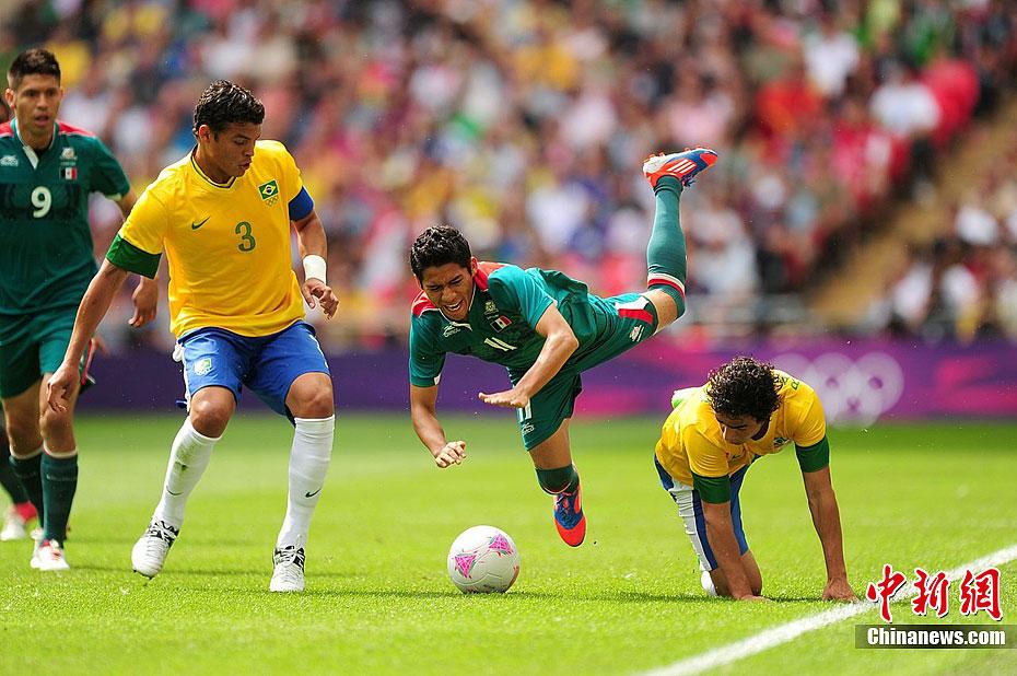 奥运足球冠军_墨西哥2:1战胜巴西 夺得奥运男足冠军- 中国日报网