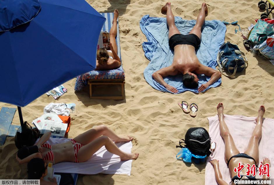 法国迎来罕见高温天气 多地发布高温橙色警报