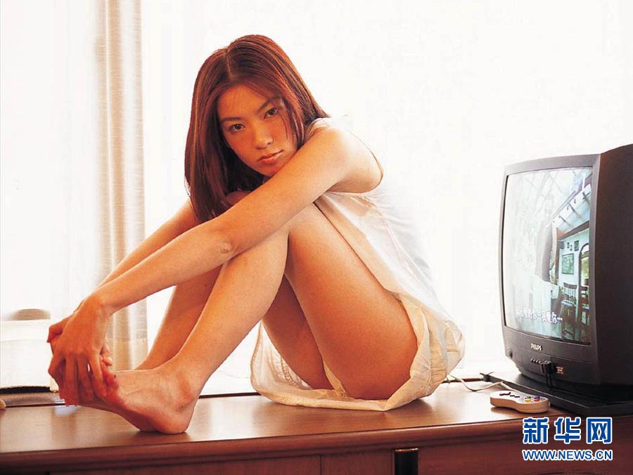 性感色情三级片_靠情色片走红的超性感女星——林熙蕾