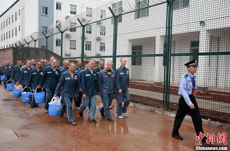 四川雷马屏监狱集结行动顺利实施 中新网