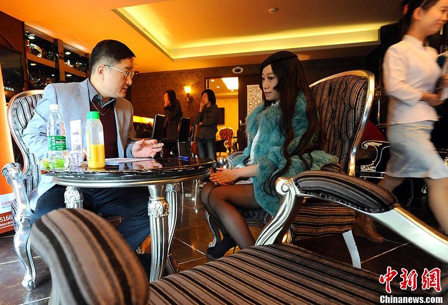 """亿万富豪武汉征婚 169名女孩赴约5人""""入围"""""""