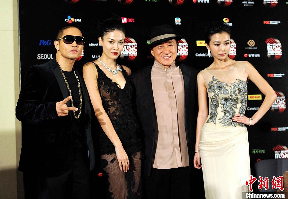 """音乐颁奖典礼"""",当晚在香港会展举行.中新社发 谭达明 摄-Super"""