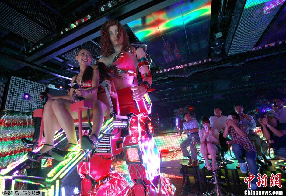 图说2012之最牛的发明——机械歌舞伎