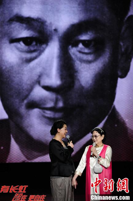 """王晓棠出席""""新中国22大电影明星50周年盛典"""""""