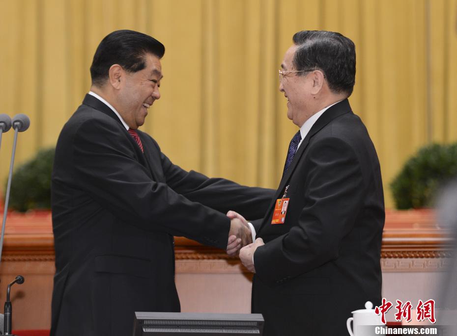 贾庆林、俞正声政协预备会议握手致意-中新网