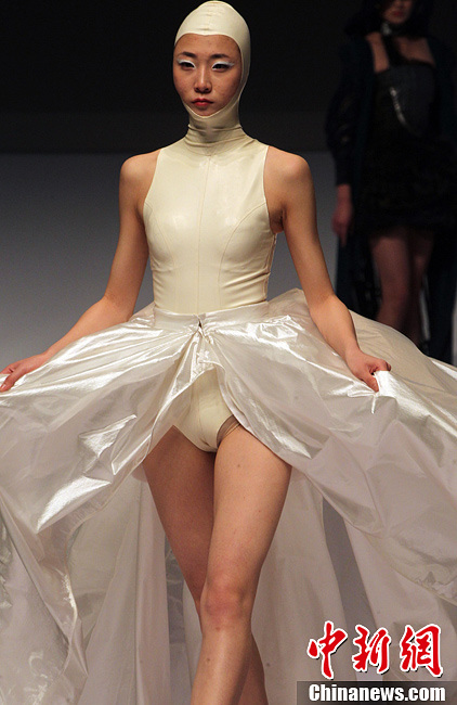 中国国际青年设计师时装作品大赛在北京举行