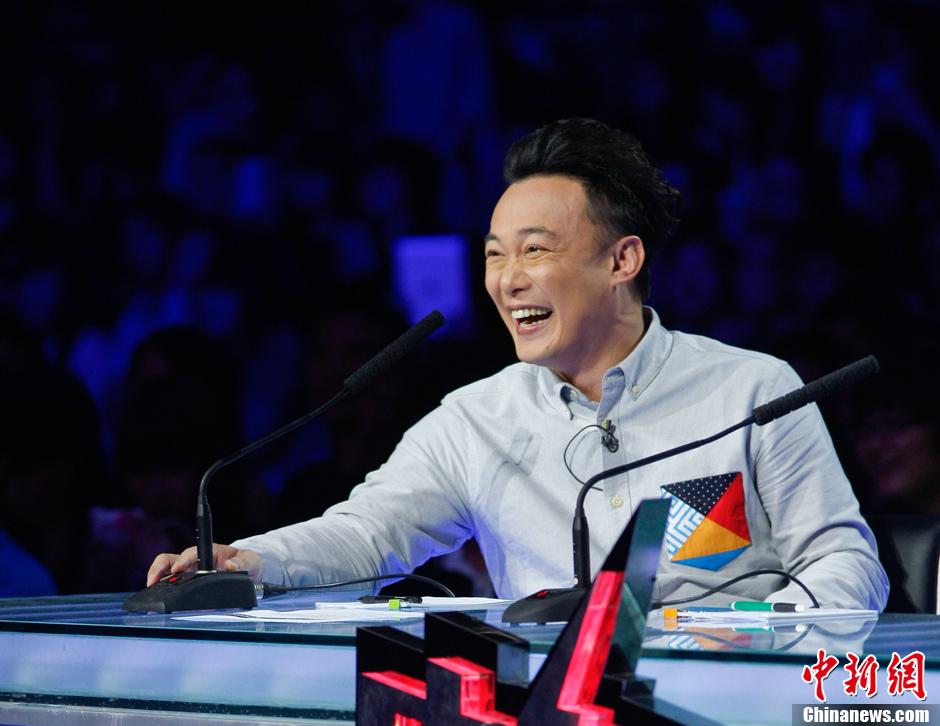 陈奕迅的老师是谁_中国新歌声第二季导师是谁_陈奕迅加盟中国新