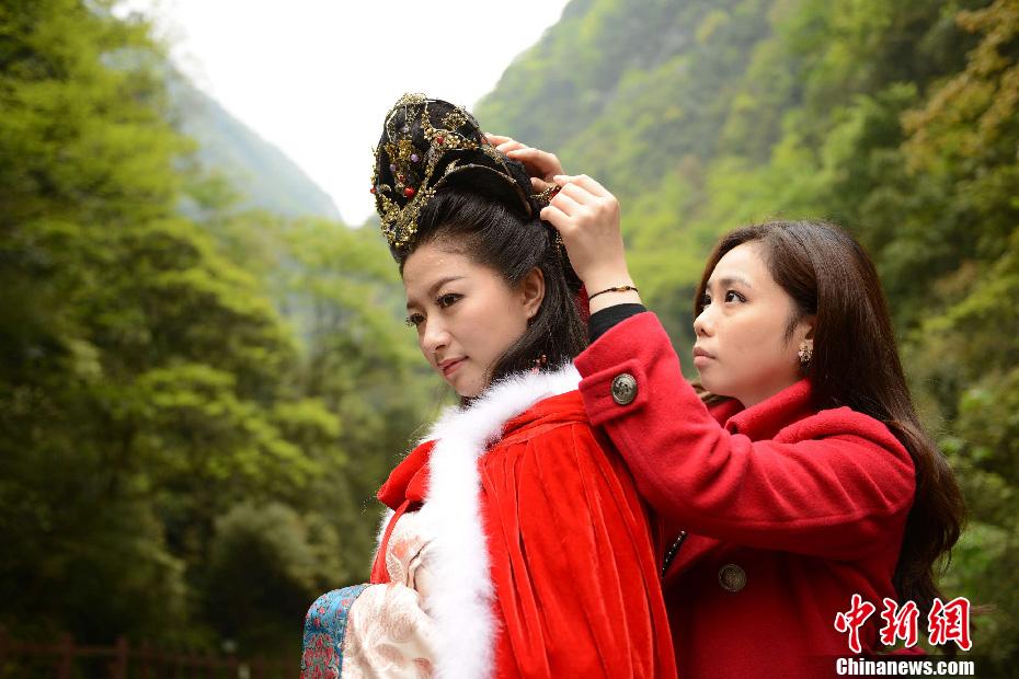王昭君第78代后裔出演四大美女静态电影 中