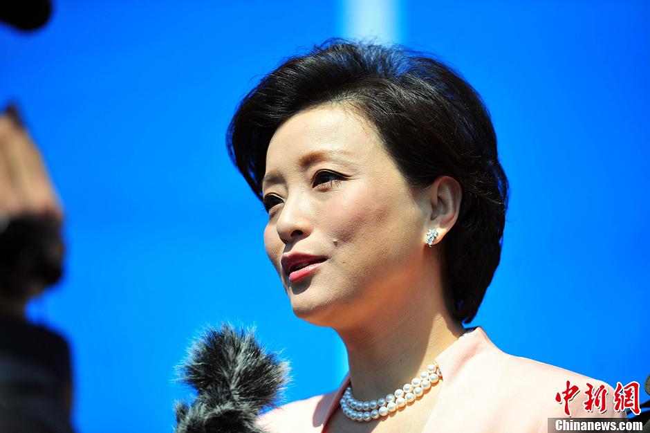 锦州世博园形象大使杨澜出席开幕式 - 人在上海  - 中華日报Chinadaily