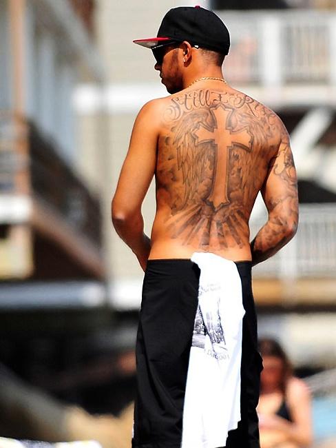 欧美明星背后纹身的隐晦寓意图片