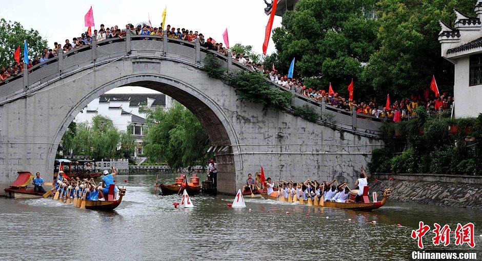 安徽迎端午赛龙舟