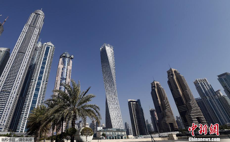 """迪拜落成世界最高""""扭曲塔"""" 总高310米"""