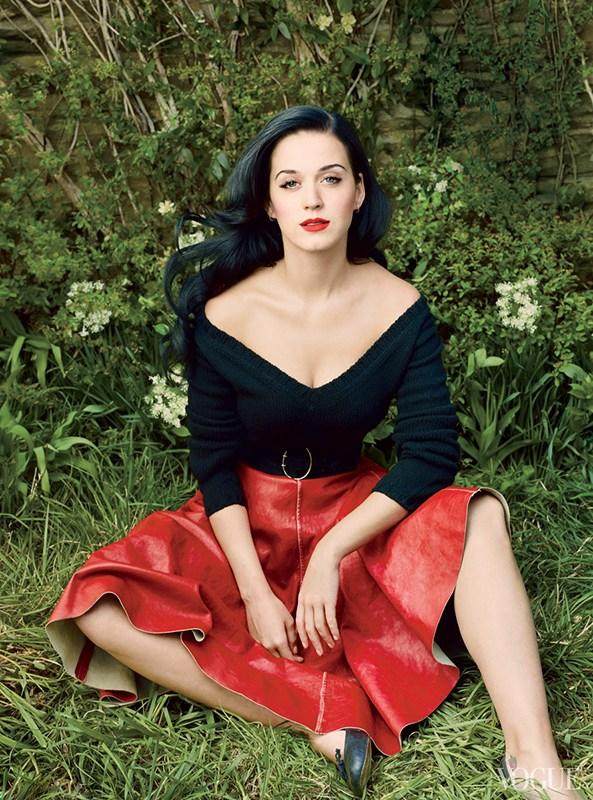 凯蒂·佩里乡村风时尚大片秀美胸