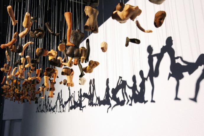 韩国艺术家借光影将肢解人体做成完整春宫图-