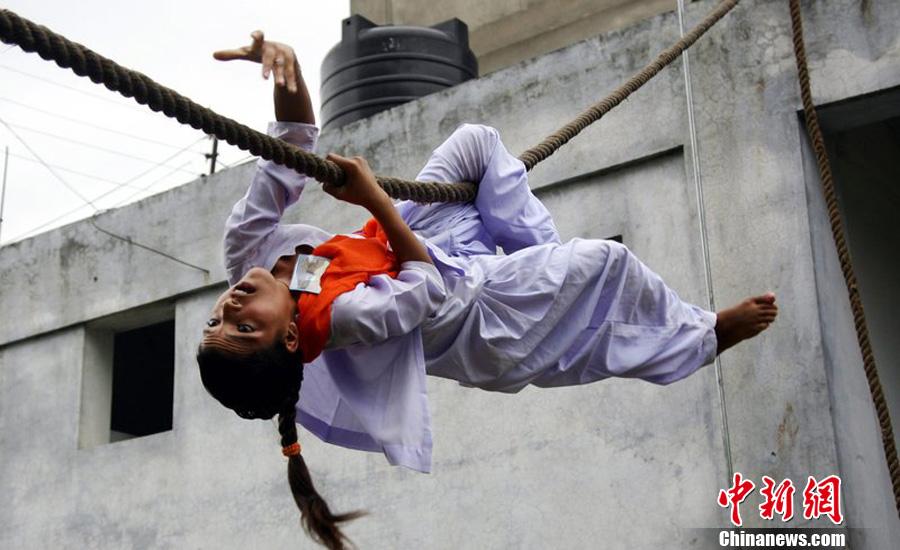 印度案件频发 女子加强自卫训练 中新网
