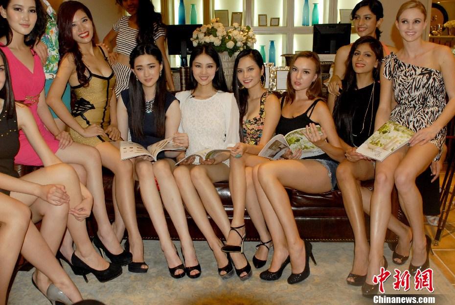亚洲超模大赛走进南宁 参赛佳丽商场拉票忙