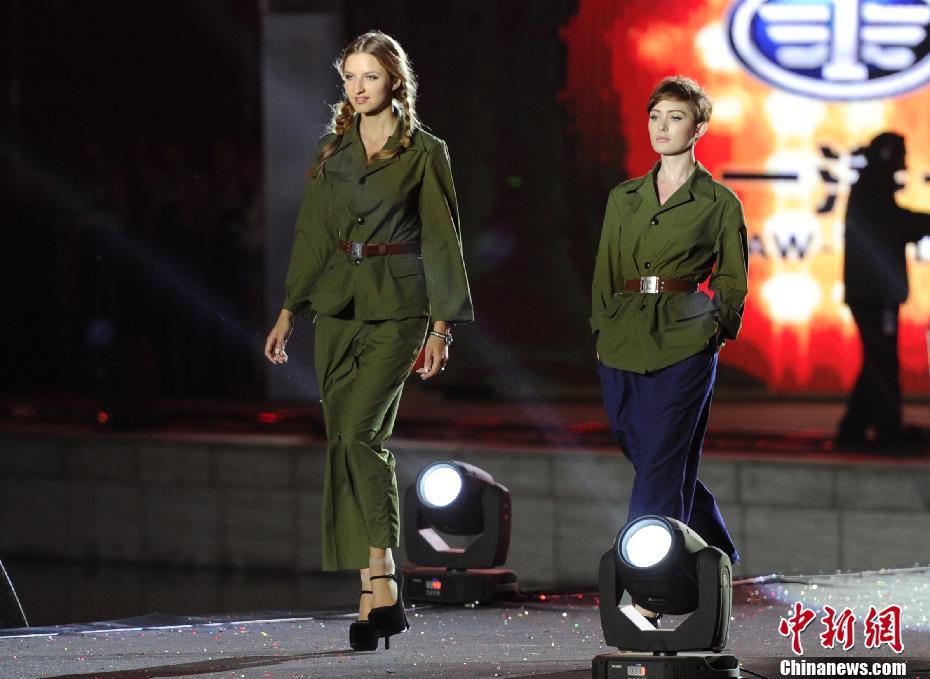 东北亚国际汽车模特大赛举行 多国佳丽上演美色大PK